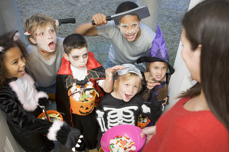 Safe Trick or Treat Halloween Tips